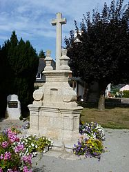 The 18th century cemetery cross, in Saint-Thélo