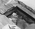 De CCD Centrale Controledienst. Inval in een verdacht huis Verborgen bergplaa, Bestanddeelnr 901-7110.jpg
