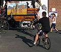 Doullens (27 juin 2009) cycliste rêvant d'un cheval 1.jpg