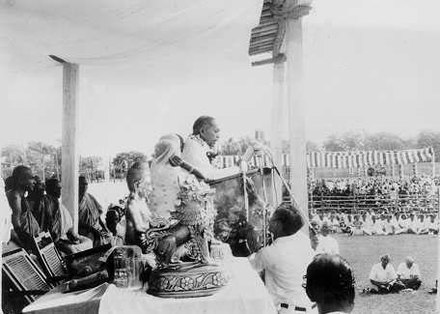 Ambedkar delivering speech during mass conversion
