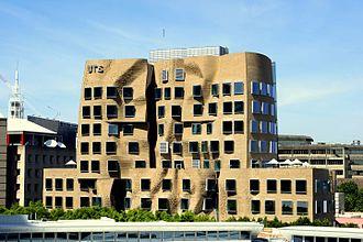 Brickworks Limited - Austral Bricks, Dr. Chau Chak Wing Building, University of Technology, Sydney 2015