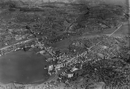 Aerial view from 800 m by Walter Mittelholzer (1920)