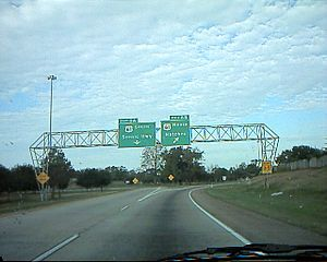 Interstate 110 (Louisiana) - Interchange marking the northern terminus of I-110