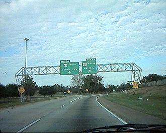 Interstate 110 (Louisiana) - Interchange marking the northern terminus of I-110
