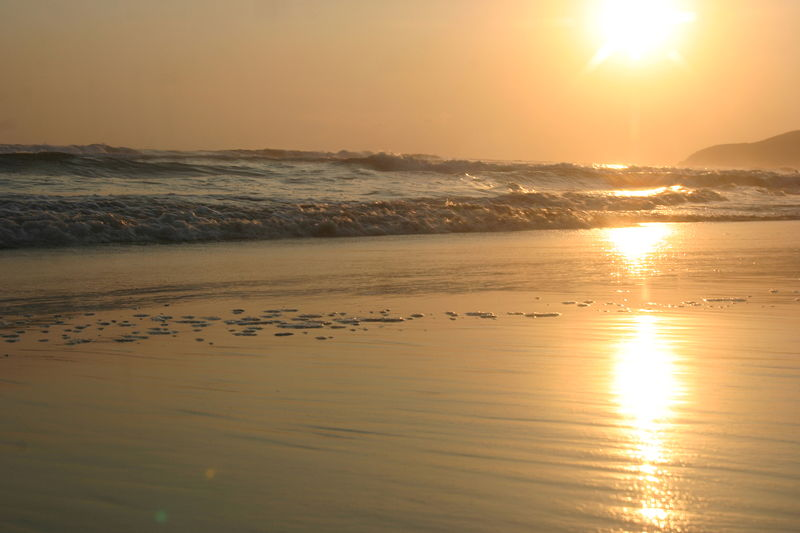 File:Early sunset Acapulco (Open Ocean).jpg