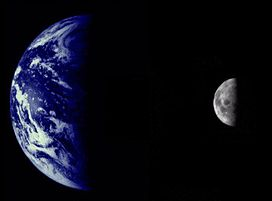 Earth & Moon by Mariner 10.jpg
