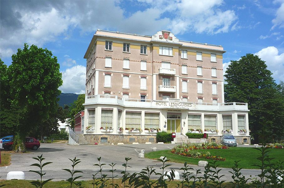Ecole hotelière de Grenoble comprenant aussi un hôtel.