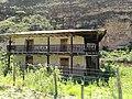 Edifici entre Yerbabuena i Limatambo.jpg