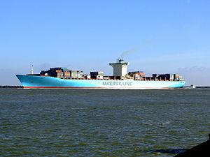 Eleonora Maersk p4 9321500, leaving Port of Rotterdam, Holland 25-Jan-2007.jpg