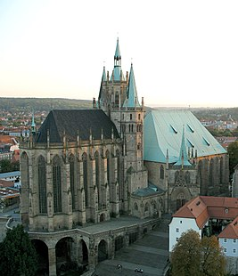 Erfurt cathedral alone.jpg