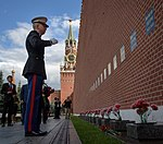 Expedition 52 Red Square Visit (NHQ201707100035).jpg