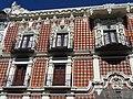 Facade with Tiles (Talaveras) - Puebla - Mexico (38963835872).jpg