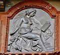Facciata orientale Villa Ghirlanda , bassorilievo posto sopra la porta centrale pianoterra,rappresenta una allegoria alle Arti o alle Scienze..JPG