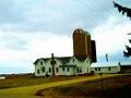 Farm with three Silos - panoramio.jpg