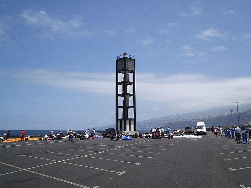 800px-Faro_puerto_de_la_cruz_tenerife.jp