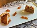 Foie gras de Gascogne aux amandes et aux échalotes confites au miel, toasts de turon à l'Auberge Basque de Saint-Pée-sur-Nivelle.jpg