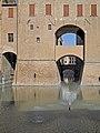 Fontana castello.jpg