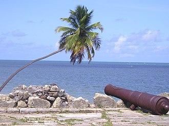 Ilha de Itamaracá - Image: Forte Orange looking out to sea
