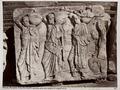Fotografi av fris med fyra män, från Parthenontemplets norra del i Aten - Hallwylska museet - 103044.tif