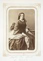 Fotografiporträtt på Mathilda Hök, f. Wallis, 1860-talet - Hallwylska museet - 107812.tif