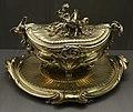 François-thomas germain, terrina con vassoio, argento dorato, parigi 1761, 02.jpg