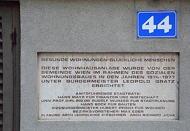 Franz-Graczoll-Hof - Widmungstafel 01.jpg