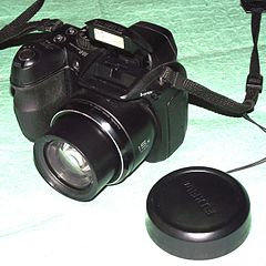 Photographie fabricants fujifilm fujifilm finepix s2000hd for Appareil photo fujifilm finepix s2000hd