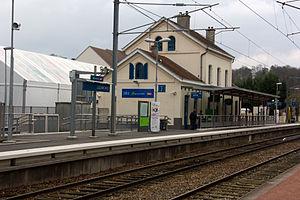 Luzarches Station - Image: Gare de Luzarches IMG 6250