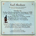 Gedenktafel Rankestr 24 (Charl) Karl Abraham.jpg