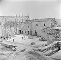 Gezicht op een plein bij de basiliek van de Verkondiging te Nazareth, Bestanddeelnr 255-1073.jpg