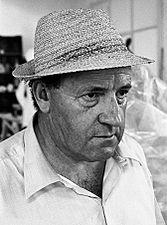 Giacomo Manzù 1960s.jpg