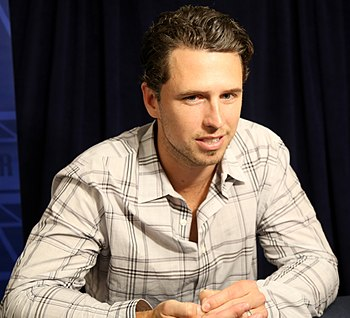 Giants catcher Buster Posey talks to reporters at 2016 All-Star Game availability. (27913815184).jpg