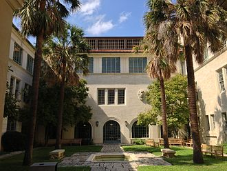 Goldsmith Hall - Image: Goldsmith Hall Courtyard