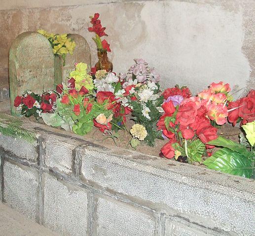Tumba de Mem y Zin, en Cizre. Fuente: Wikipedia
