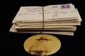 Gouden doosje met visitekaartjes en postkaarten (fonds Tolkowski) (4).png