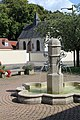 Grandvilliers (Oise), fountain and chapel Saint-Jean.JPG