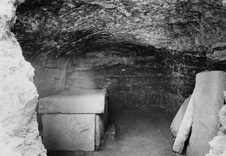 Grav 34, interiör, sarkofag. Marion - SMVK - C01253.tif