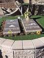 Graves of Roy Rogers and Dale Evans - Sunset Hills Cemetery - Apple Valley, CA - USA (6914425479).jpg
