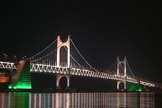 Gwangandaegyo - Image: Gwangan Bridge at night