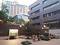 HKU 薄扶林校園 PFL campus 香港大學 James Hsioung Lee Science Building 厲樹雄科學館 facade 許士芬地質博物館 Stephen Hui Geological Museum April 2019 SSG 04.jpg