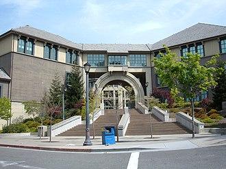 Haas School of Business - Berkeley Haas west entrance