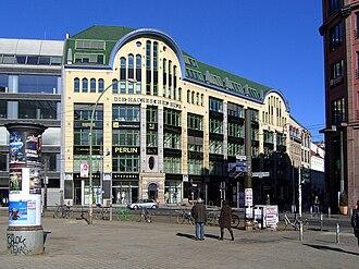Hackesche Höfe - The Hackesche Höfe from Hackescher Markt