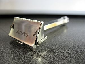 Safety razor - One style of single-edge razor
