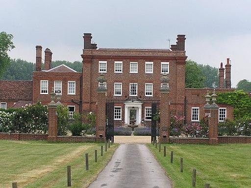 Henlow Grange, sorry 'Chempneys Henlow' - panoramio