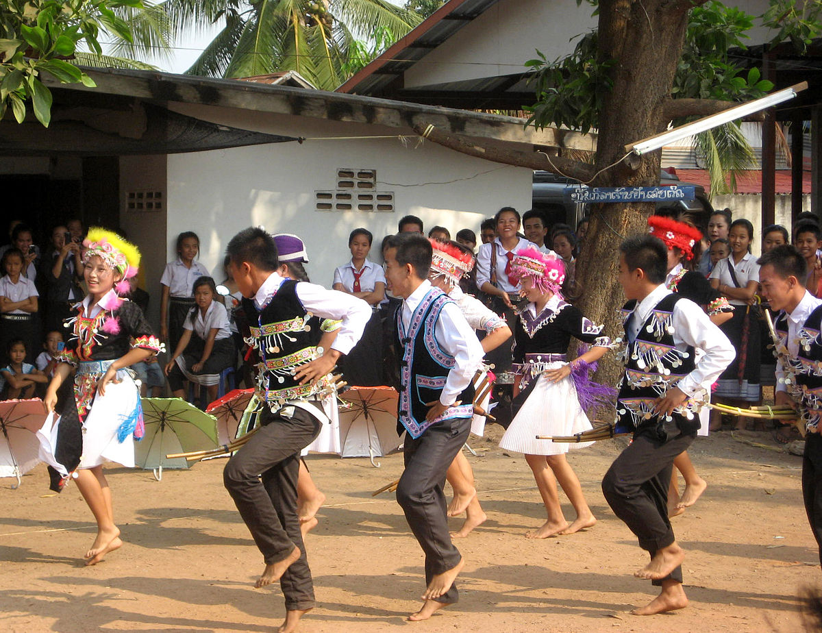 hmong customs and culture wikipedia