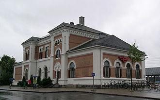 Randsfjorden Line - Image: Hokksund station