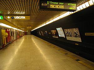 Montenapoleone (Milan Metro) - Image: IB metro Milano Linea 3 Montenapoleone