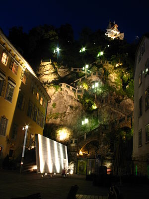 Schlossberg (Graz) - Schlossbergplatz by night, with staircase up to castle