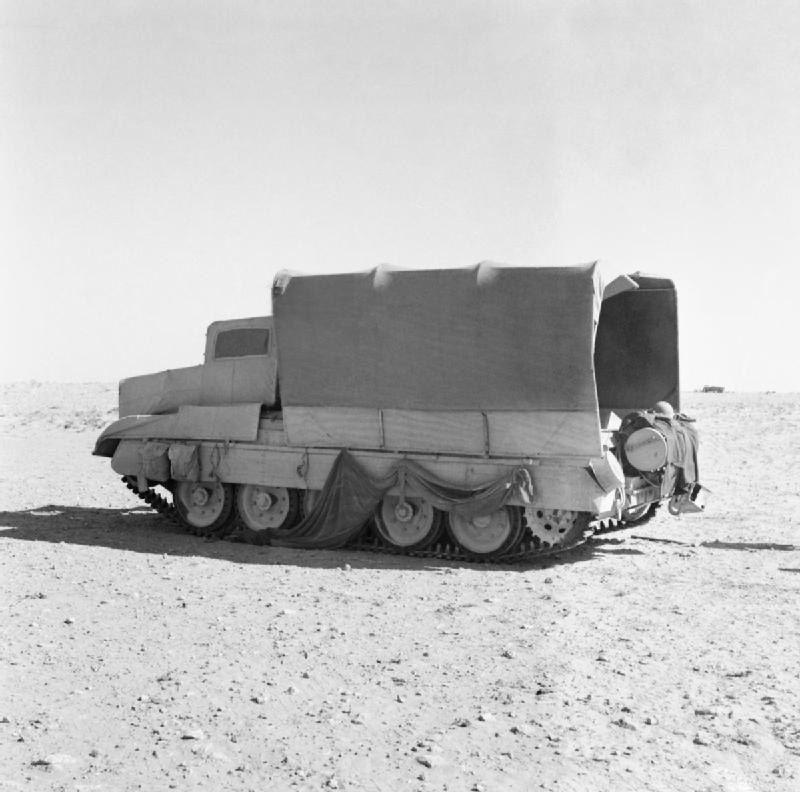IWM-E-18461-Crusader-camouflaged-19421026