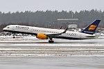 Icelandair, TF-ISK, Boeing 757-223 (40598967602).jpg